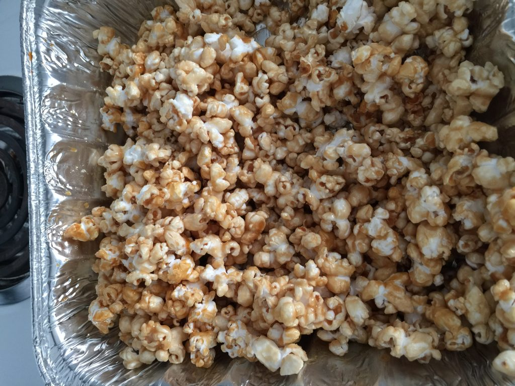 Old Fashioned Caramel Corn